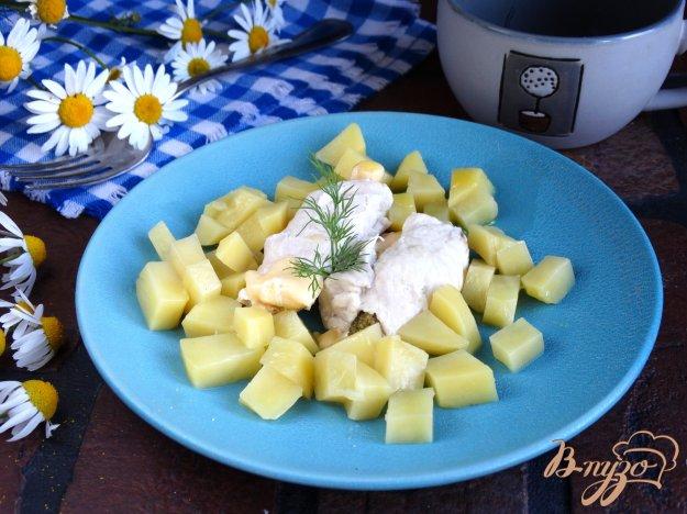 фото рецепта: Куриные рулетики с брокколи и сыром на пару