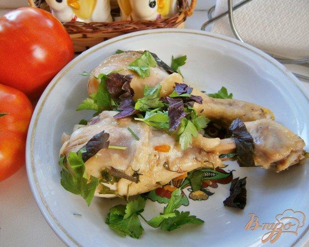 фото рецепта: Куриные голени с базиликом