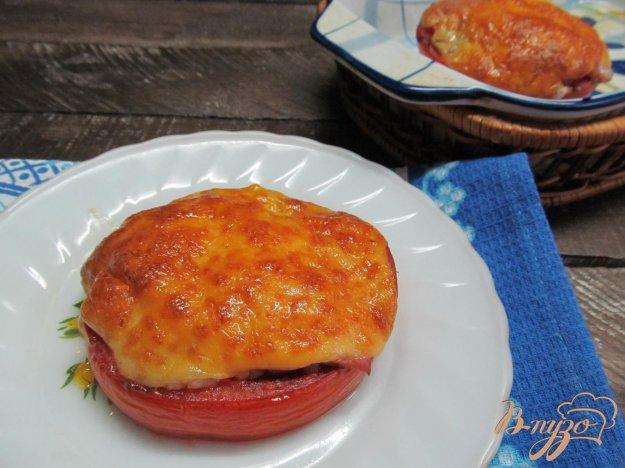 фото рецепта: Помидор запеченный с бужениной и сыром