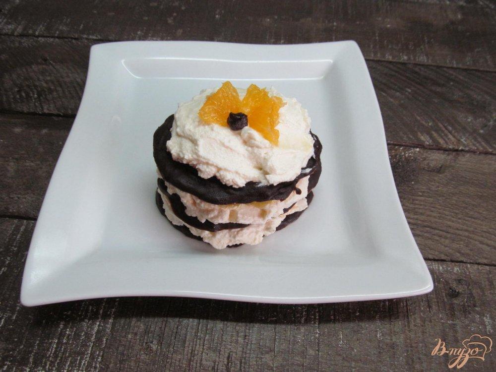 Шоколадный десерт с творогом и апельсином