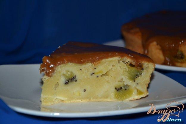 фото рецепта: Сливочный пирог с карамельной заливкой