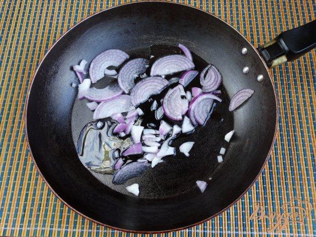 Рецепт Макароны с тушенкой грибами и черри