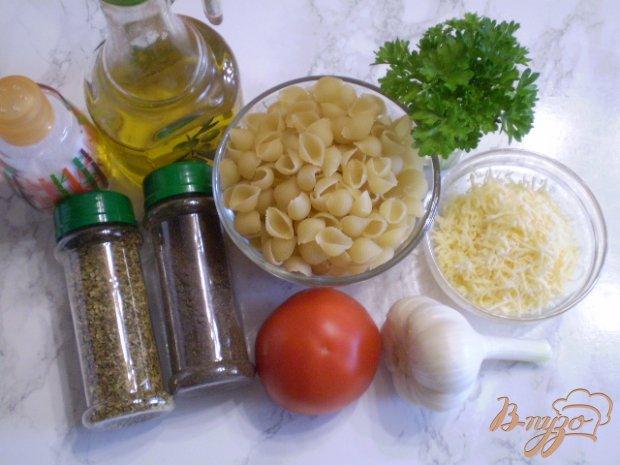 Рецепт Ракушки с томатами, сыром и чесноком