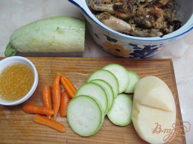 Рецепт Овощи с тушенной курицей