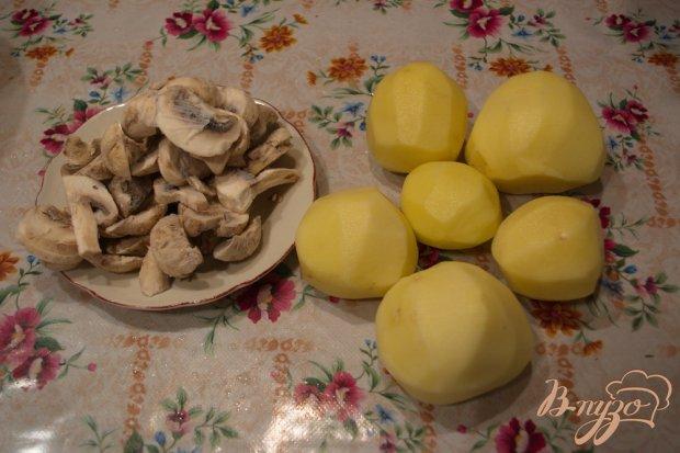 Рецепт Молодой картофель с шампиньонами (тушеный)