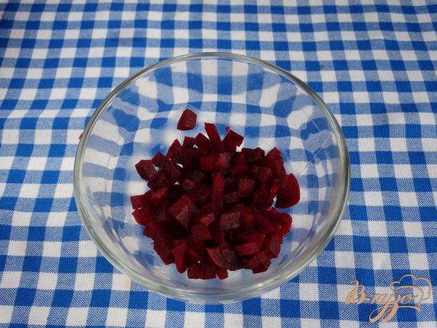 Рецепт Салат-коктейль с сельдью свеклой и авокадо