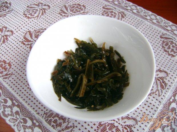 Рецепт Салат с морской капустой кальмарами и омлетом