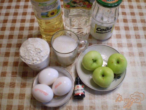 Рецепт Яблочный пирог в мультиварке