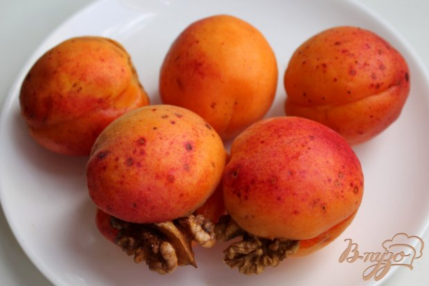 Рецепт Абрикосовое варенье с грецким орехом