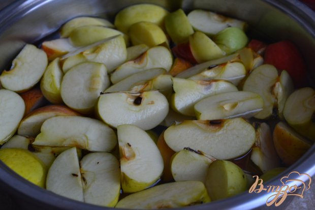 Рецепт Компот из яблок и инжира с лавандой