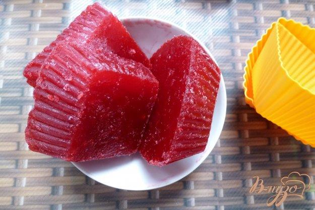 фото рецепта: Заготовка сока из красной смородины (заморозка)