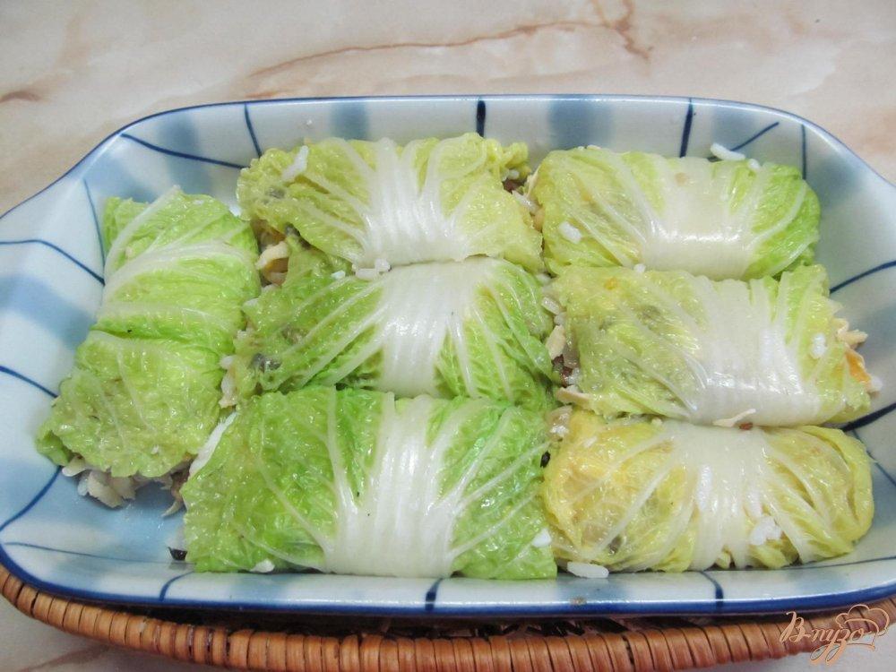 Фото приготовление рецепта: Голубцы из пекинской капусты с грибами шаг №6