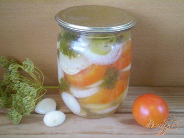 фото рецепта: Салат из помидоров с луком и чесноком