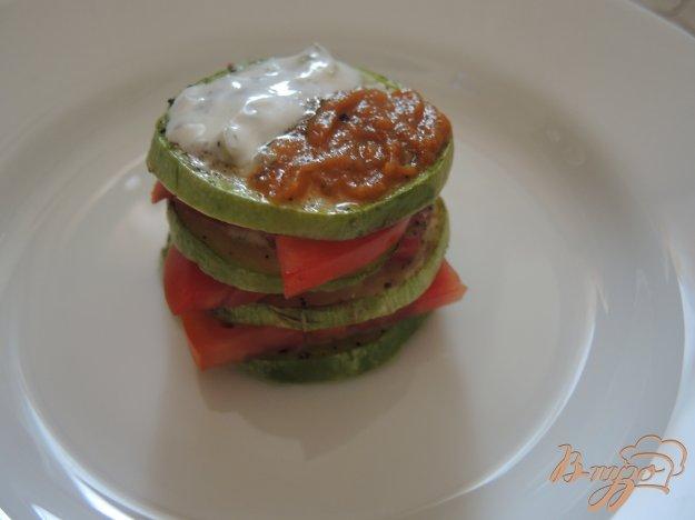 фото рецепта: Башенки из кабачков и помидоров