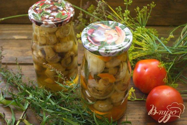 фото рецепта: Шампиньоны маринованные с морковью и луком
