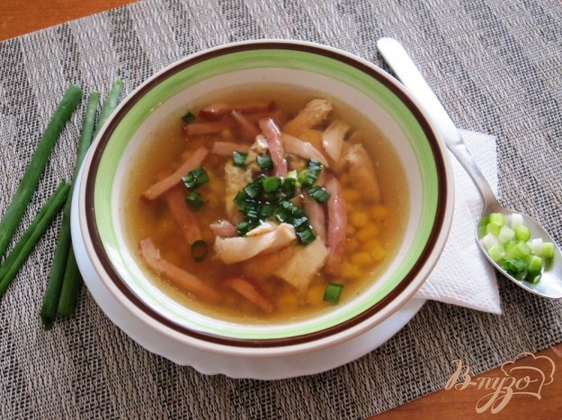 фото рецепта: Китайский суп с курицей и кукурузой