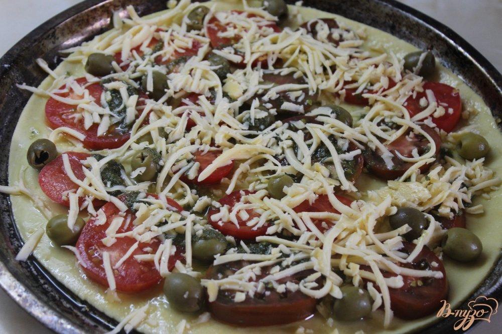 домашняя пицца с колбасой и сыром и помидорами рецепт с фото