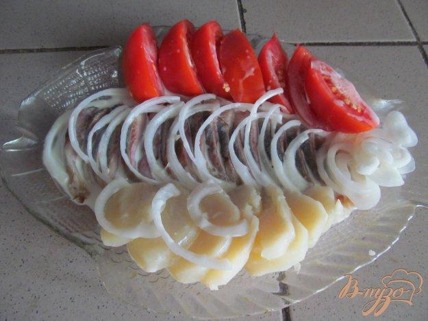 фото рецепта: Сельдь с овощами под соусом