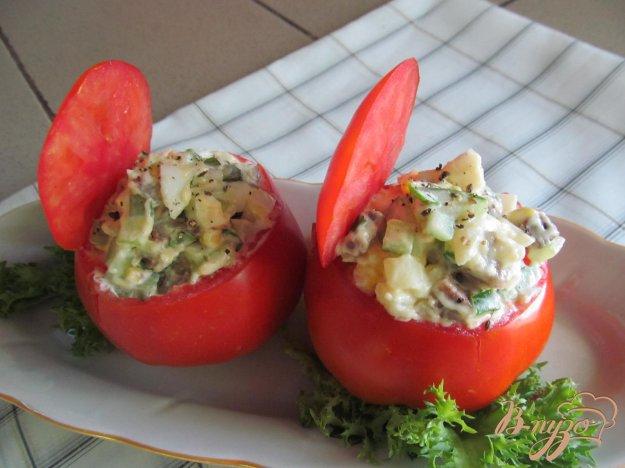фото рецепта: Помидор фаршированный салатом
