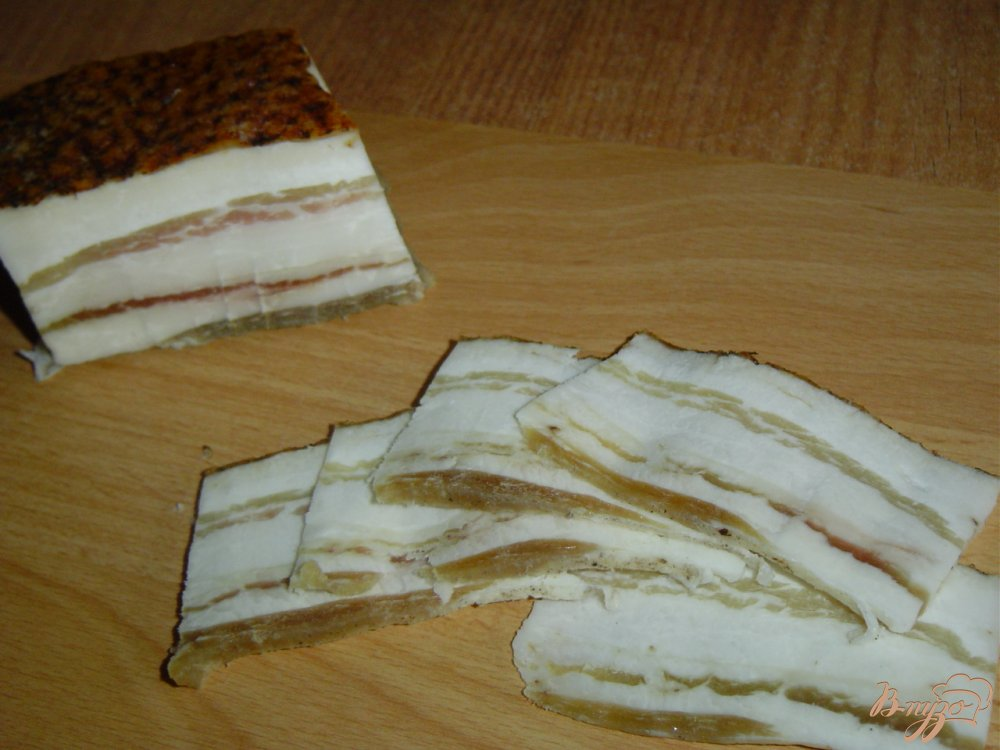 Рецепт Рулетики из бекона с черносливом и сыром