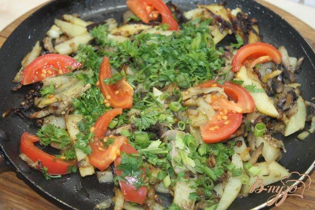 фото рецепта: Жаренный картофель с баклажанами и помидорами