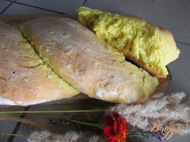 фото рецепта: Хлеб на молоке с куркумой и овсяными хлопьями