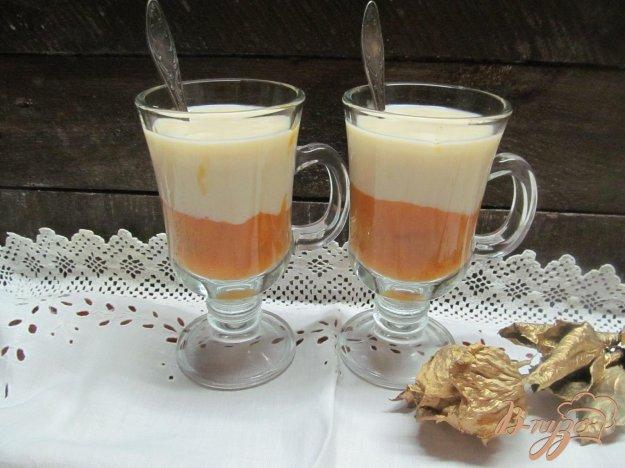 фото рецепта: Персиковое пюре с заварным кремом