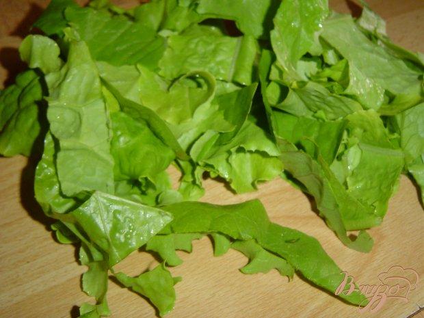 Рецепт Салат из огурцов, лука и салатных листьев