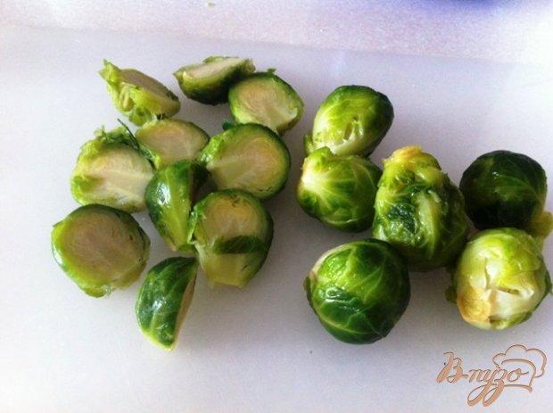 Рецепт Брюссельская капуста с соусом песто из вяленых томатов