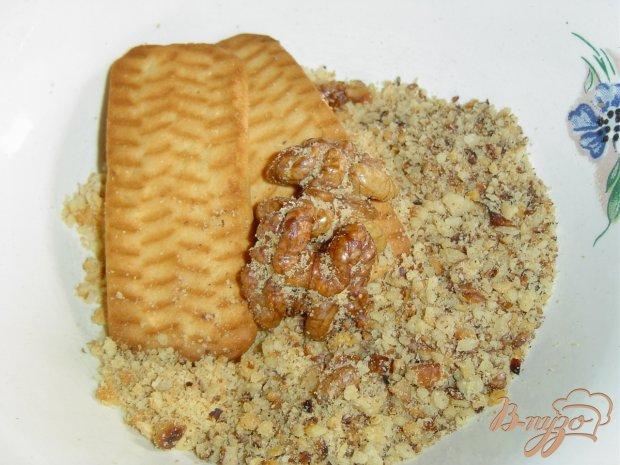 Рецепт Клубнично-творожный десерт на бисквитно-ореховой основе