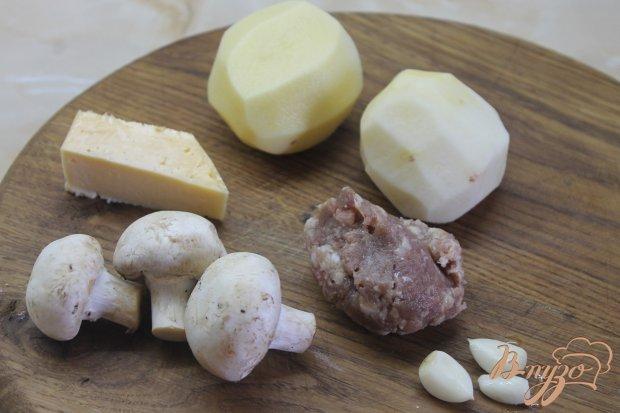 Рецепт Деруны с мясом и грибами под сыром в горшочке