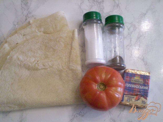 Рецепт Конвертики на мангале с помидором и сыром