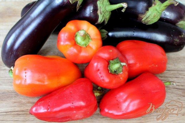Рецепт Печеные баклажаны с перцем в томате