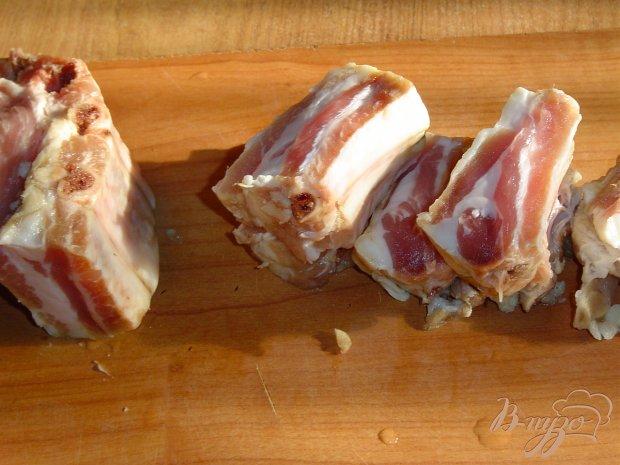 Рецепт Свиные ребрышки, тушеные с помидорами и грибами