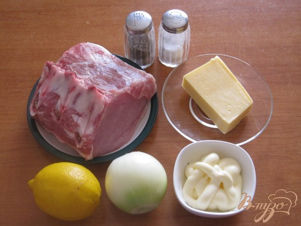 Рецепт Свинина в духовке под лимонно-луковым маринадом