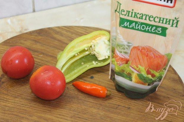 Рецепт Баклажанные рулеты с пикантным соусом внутри