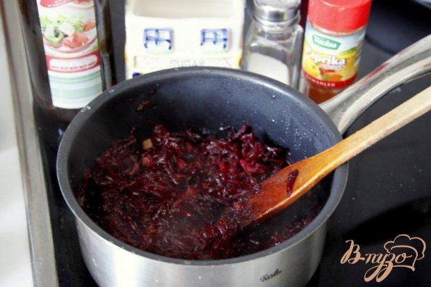 Салат из свеклы и лука жареного
