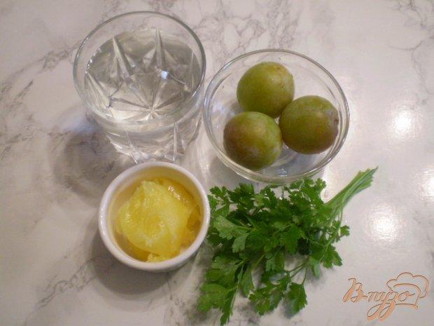 Рецепт Сладкий сливовый коктейль с зеленью и медом