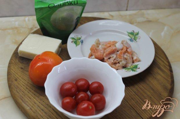 Рецепт Салат с соленым лососем и зеленым соусом