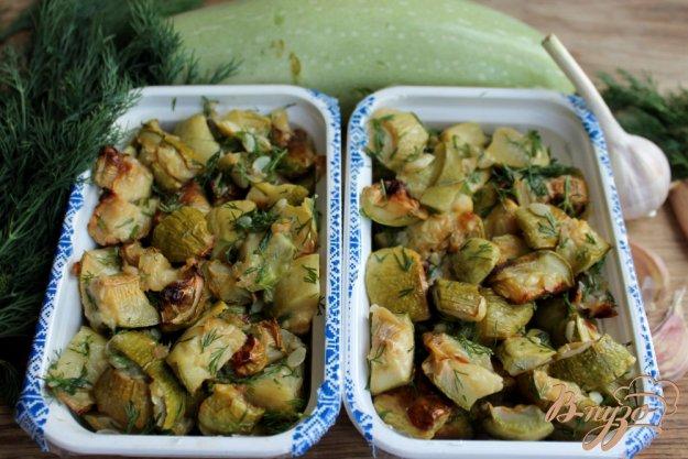фото рецепта: Кабачки замороженные с чесноком и укропом