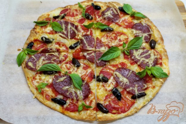 фото рецепта: Пицца на слоеном тесте