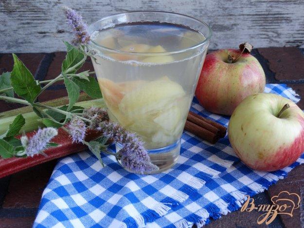Пряний компот з ревеню і яблук. Як приготувати з фото