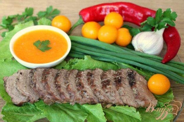 фото рецепта: Мясо ягненка с кисло-сладким соусом из алычи