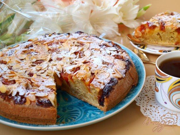 Сливовий пиріг з мигдалем. Як приготувати з фото