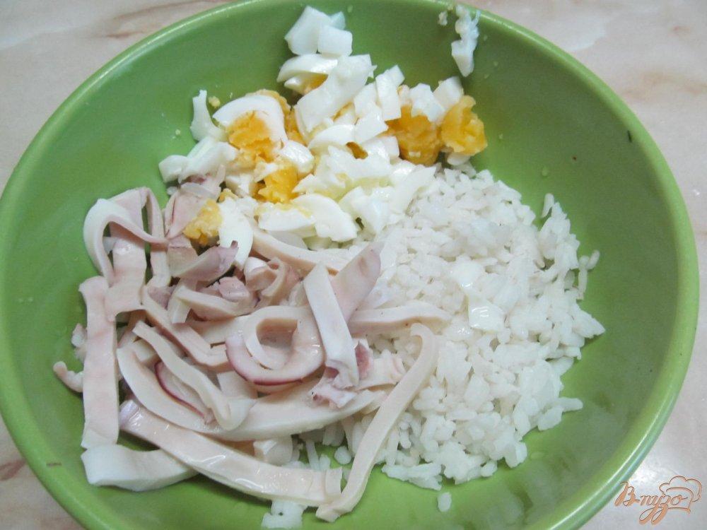 Салат из кальмаров и риса рецепт пошаговое