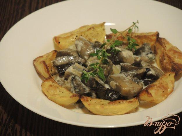 фото рецепта: Лесные грибы с картофелем
