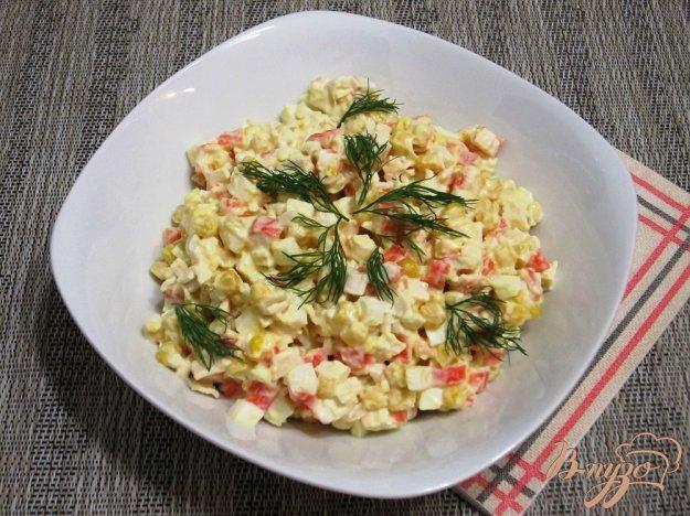 фото рецепта: Быстрый салат с крабовыми палочками