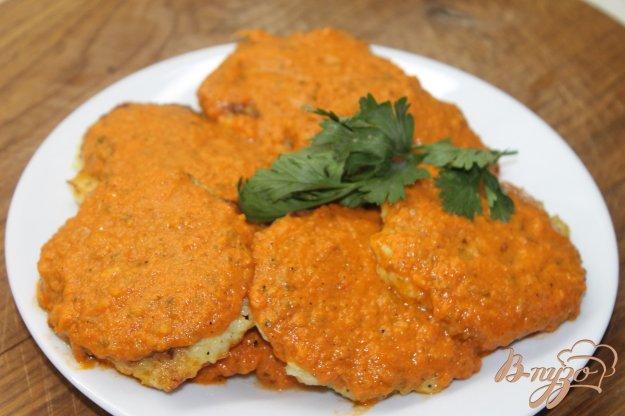 фото рецепта: Капустные котлеты с томатным соусом
