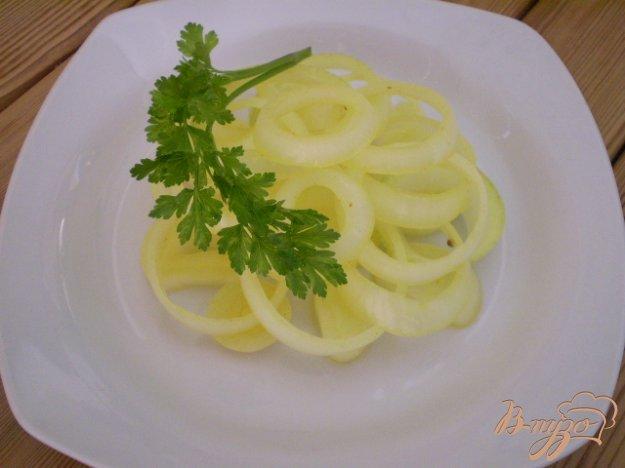 фото рецепта: Яркий маринованный лук