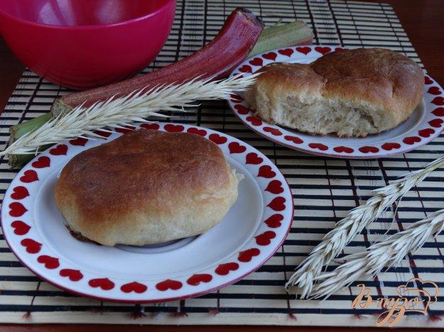 фото рецепта: Духовые пирожки с ревенем и корицей